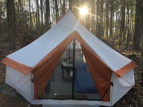 Camp Moonshine-yurt style tent-walk to lake