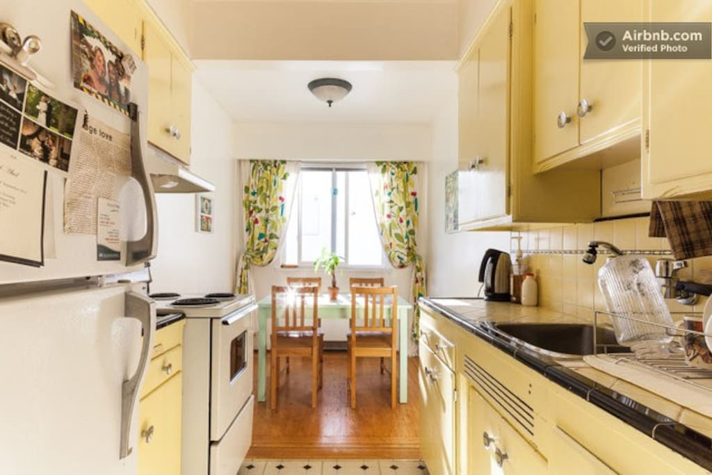 retro apartment in fantastic location wohnungen zur miete in vancouver british columbia kanada. Black Bedroom Furniture Sets. Home Design Ideas
