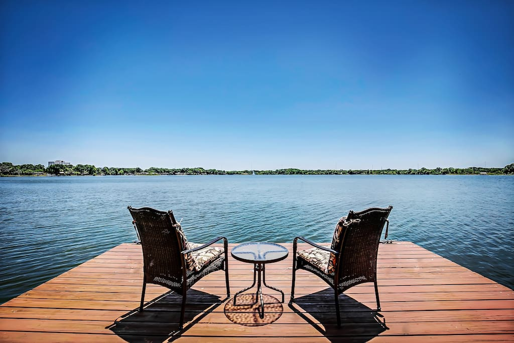 Lakefront Paradise Vacation Homes For Rent In Tampa