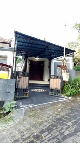 Cozy home in Tabanan