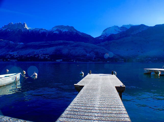 ANNECY : Amazing apt ON the Lake 6p