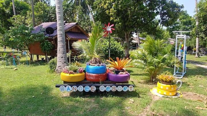 Wandee Resort 04 Twin beds Bungalow