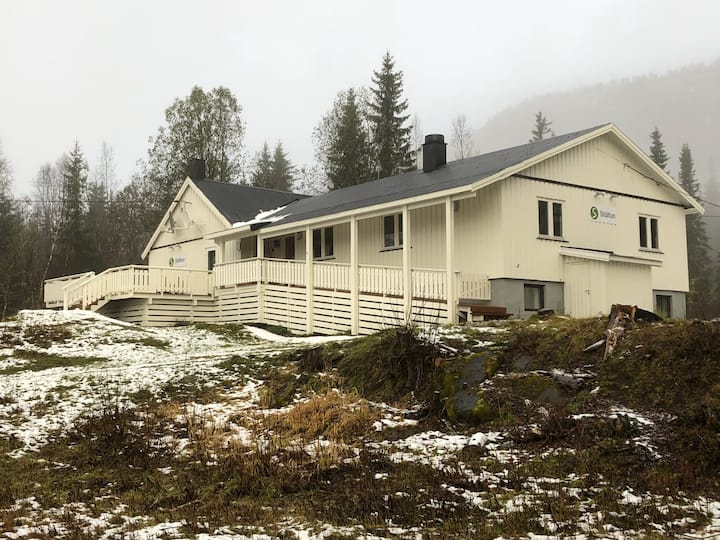 Ståltun. House w 18 beds  near Mo i Rana