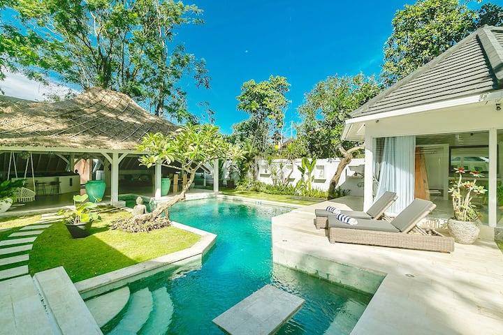 Villa Maloya 3br In Padonan Canggu Villas For Rent In Kuta Utara Bali Indonesia