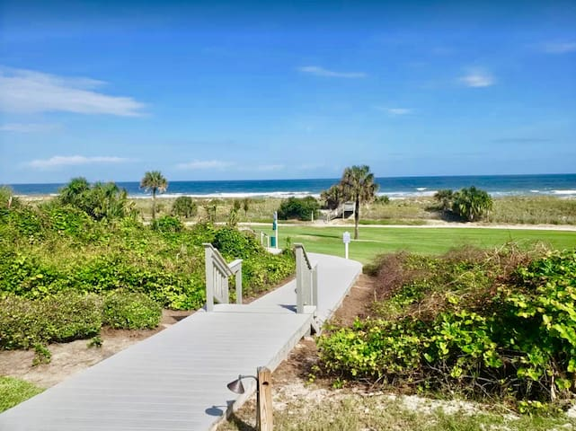 Oceanfront Condo Omni Plantation at Amelia Island
