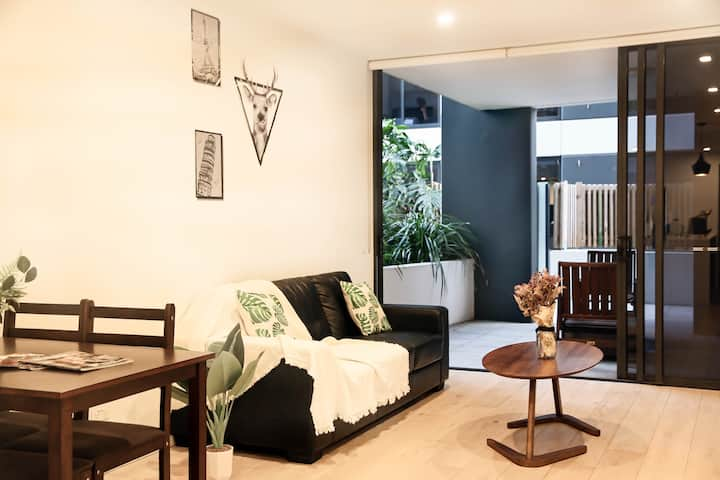 💕City View 💕 2 Bed APT in South Brisbane Free Wifi & Car Park