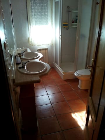 Habitación en chalet no adosado - Candeleda - Bungalo