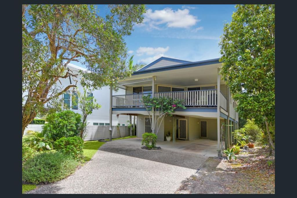 Moffat Beach Beach house <3