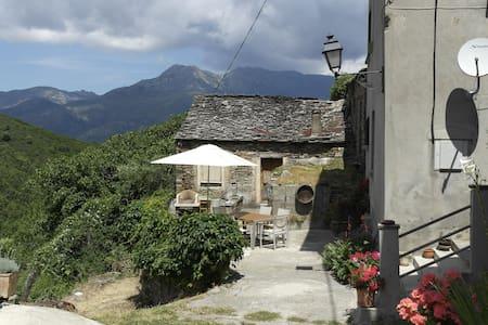 Maison de hameau en Haute Corse - Castello-di-Rostino