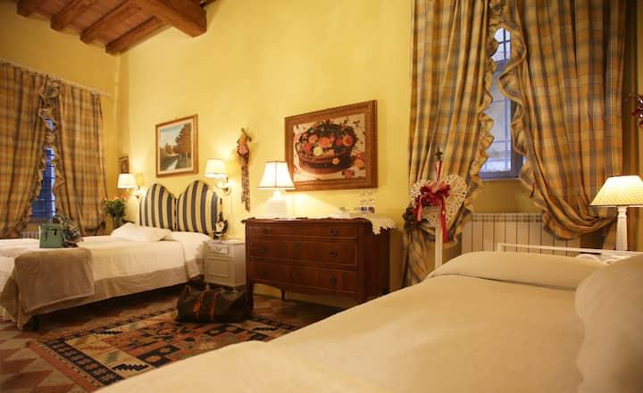Camera Smeraldo B&B Le Aquile nel cuore di Siena