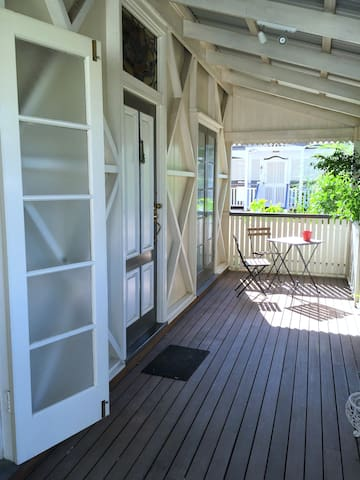 Charming Inner City House  - A walk to the Gabba - Kangaroo Point - Rumah