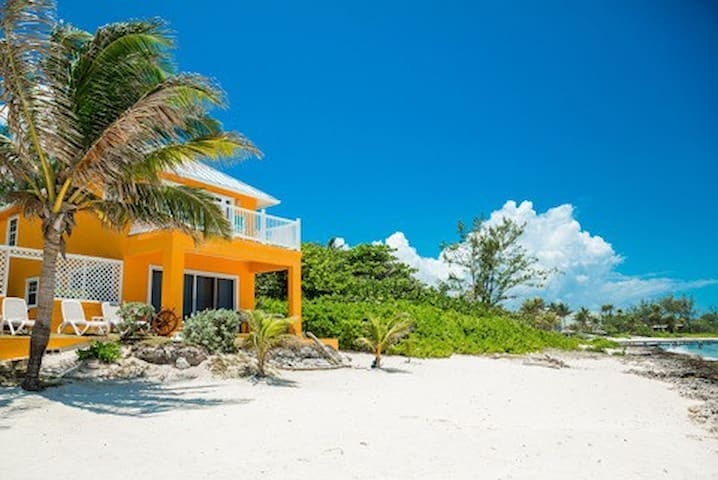 "Oceanfront ""Dreamsicle"" Villa with Kayaks"