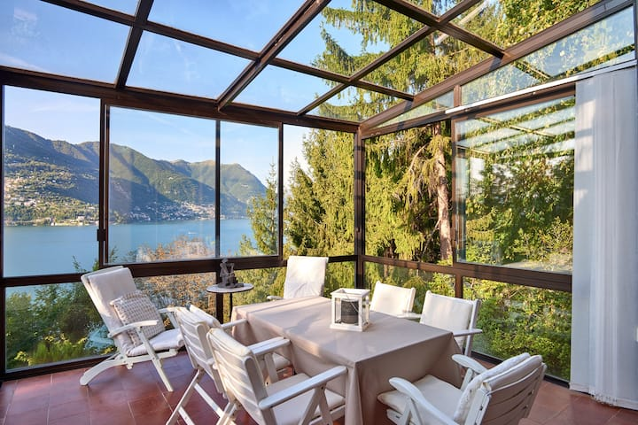 Lake Como house with magnificient view!