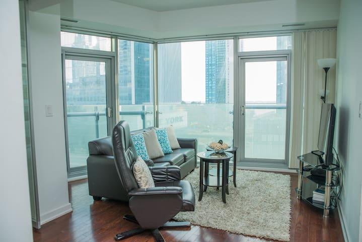 Picturesques 2 Bedroom Condo Condominiums For Rent In Toronto Ontario Canada