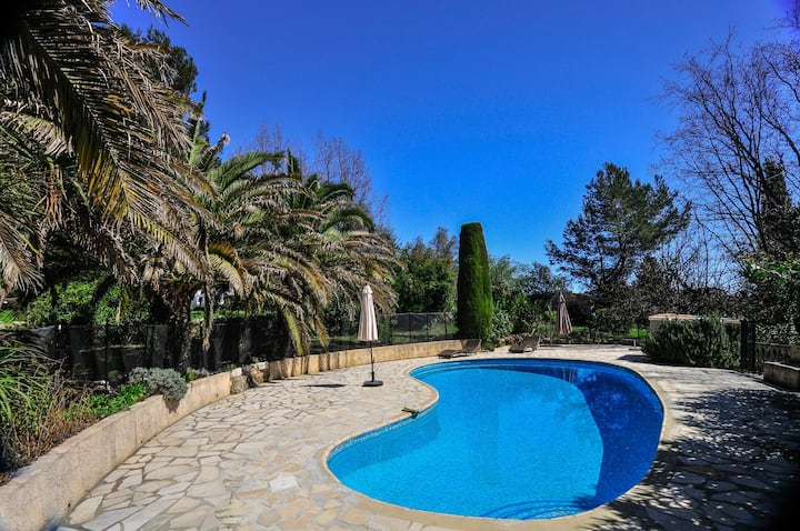 Exquisite 4 bedroom Villa in Châteauneuf-Grasse (