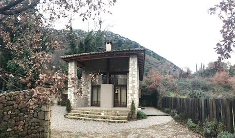 Παραδοσιακή μονοκατοικία