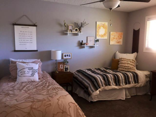 Single Bed, Shared Room in Urban/Cute Apartment