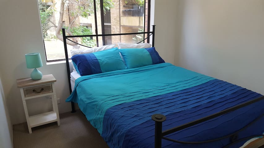 Queen sized room in Wollongong - Wollongong - Departamento