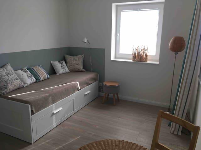 Zimmer 2 mit ausziehbarem Tagesbett