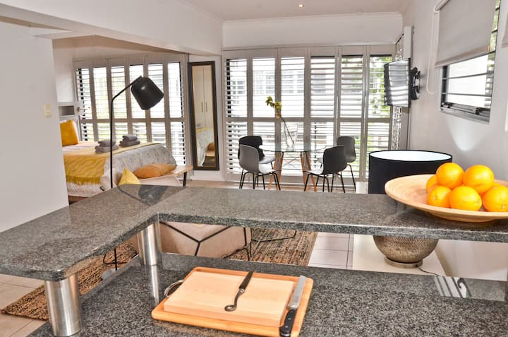 Modern Studio Apartment on Church St. Stellenbosch