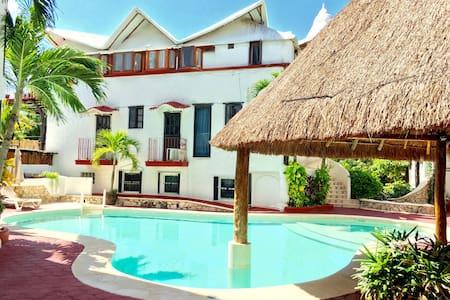 Condo de 1 Habitación con Piscina 2 calles del Mar - Playa del Carmen