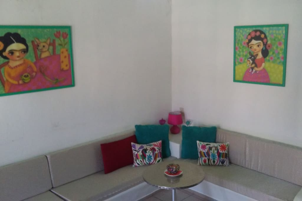 Your relaxing living room, adorned with touches of Mexican art.