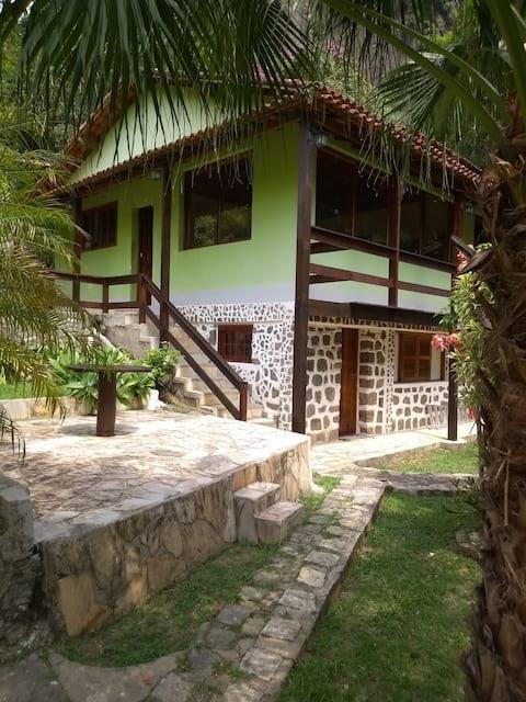 Beautiful and comfortable farmhouse in the Petrópolis mountain range