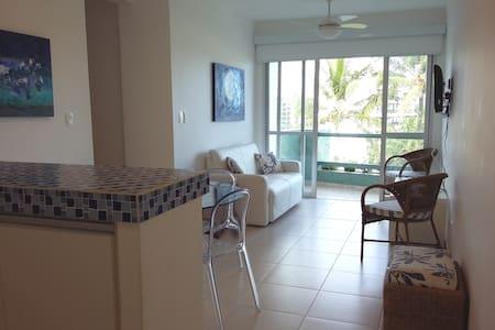 Apartamento frente à praia na Riviera São Lourenço