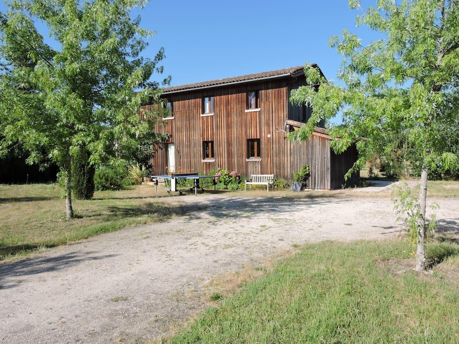 The front of the house Le devant de la maison