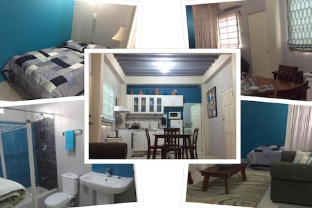 Private Studio. AC/Internet/Cable near UWI/Airport