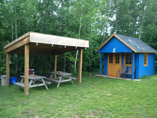 Private Storybook Cabin With Cozy Loft (Shadowfax)
