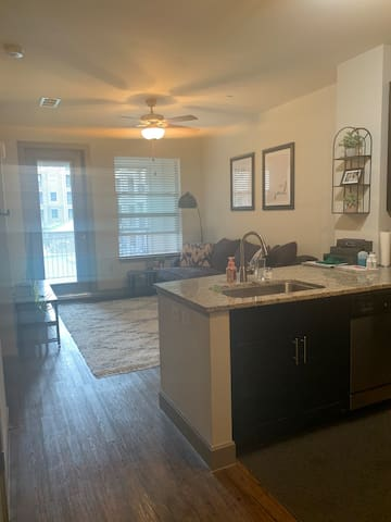 Cozy 1 bedroom apartment! Perfect for nurses
