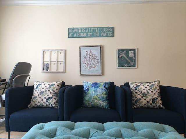 Cozy room with private bath - Long Beach - Leilighet