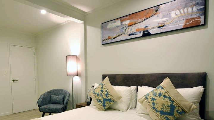 Superior Suite- Bed & Breakfast