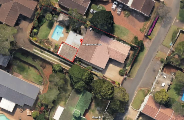 Pvt flat, close to business centers, beach & malls - Durban North - Bungalow