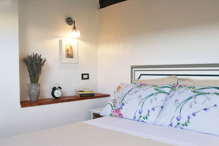 Studio 18 Santa Croce in Historical Center! - Florença - Apartamento