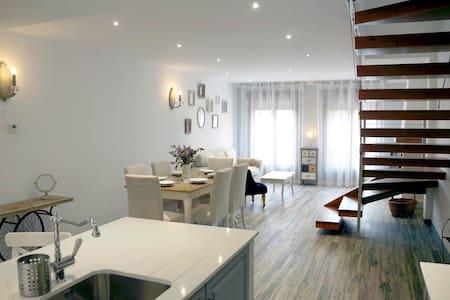 París - Hita - Apartemen