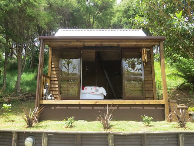 The Bali Room - Coromandel - Cabin