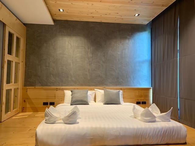 Japanese Style Studio Room. Clean & Cozy @Nai Harn