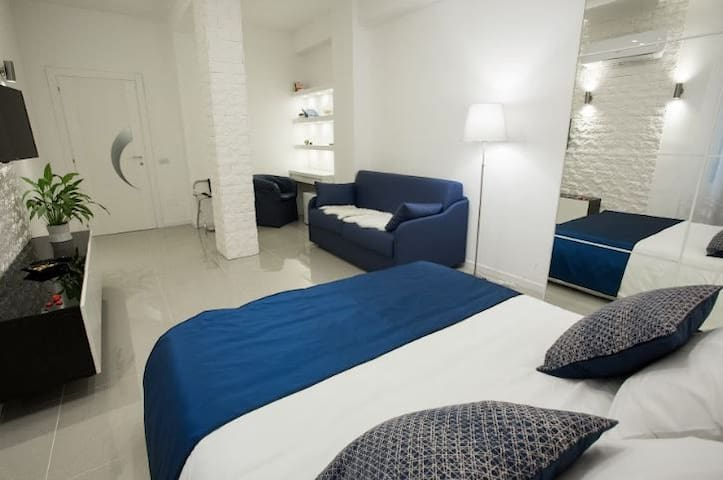 Casa Teresa B&B Napoli SUPERIOR King Double €69