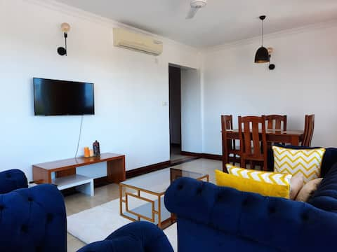 2 bedroom with ACs/hot shower/Wi-Fi/pool in nyali