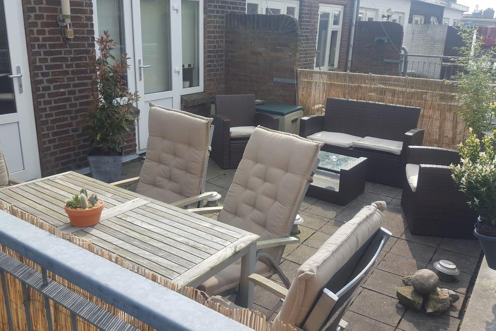 Sun terrace/Rooftop terrace dining area