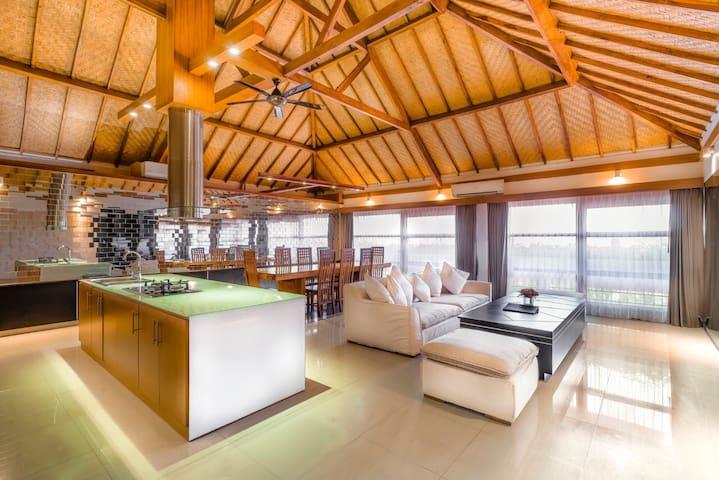 Ocean view Pent House 501