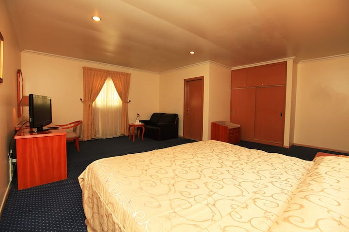 Single standard room with Large bed
