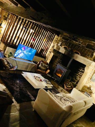Maison creusoise entièrement rénovée/spa privatif