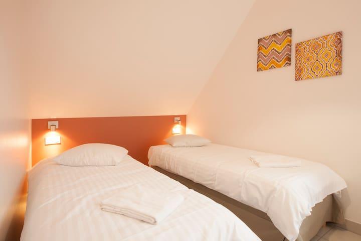Chambre3 avec 2 lits séparés 80*200, 2ème étage