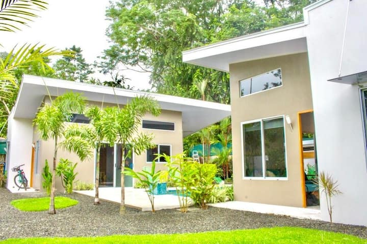 Cocomo#1 brand new, Walk to the Whales Tail Beach!