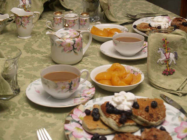 Oh yeah, we do serve breakfast!