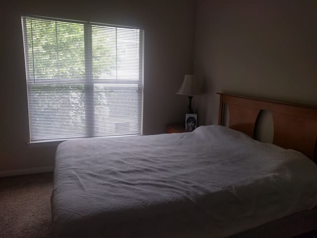 Comfortable room in Morrisville - Morrisville - Apartament