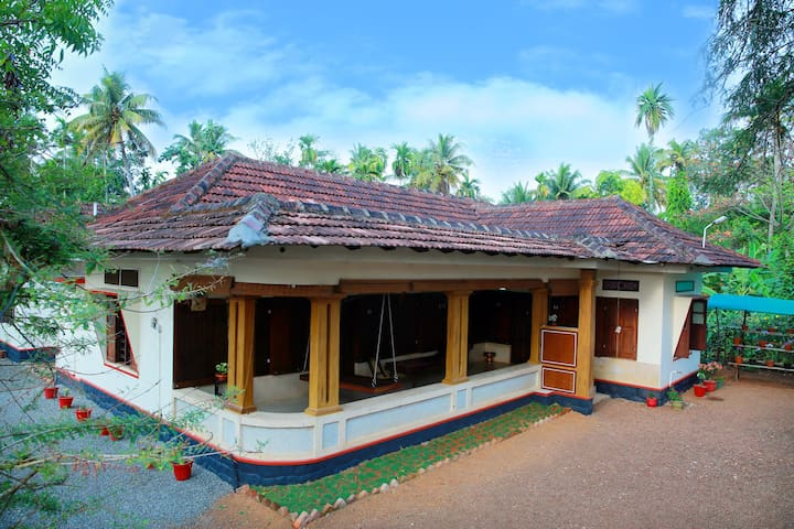 Gokulam Heritage, A place  to stay - Kuttanad Taluk - Bed & Breakfast